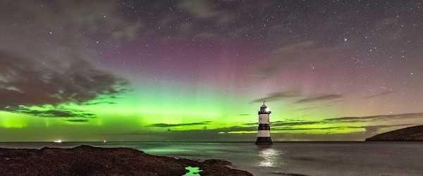 Penmon Lighthouse web 1